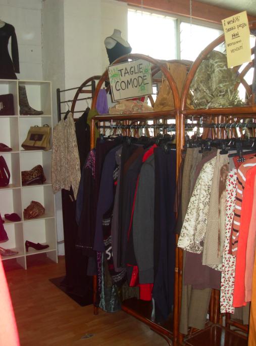 Bazar usato milano for Vestiti usati in regalo