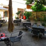 Un tranquillo pranzo in cortile da Isa e Vane