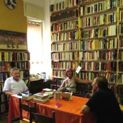 La biblioteca condominiale nella ex portineria