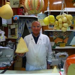 Una buona spesa al mercato coperto di piazza Prealpi
