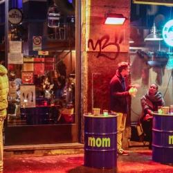 MOM Cafè,  il bar verace,  dal 1998