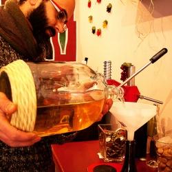 Qualità low cost e simpatia: il vino sfuso di Rocco