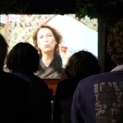 Cinema all'aperto tra i palazzi di Baggio