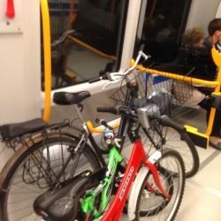 A Milano si va con la bici in metro (gratis)