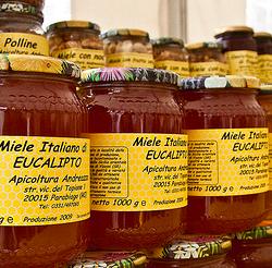 mercato-cascina-cuccagna-milano-mercato-produttori-chilometro-zero-miele