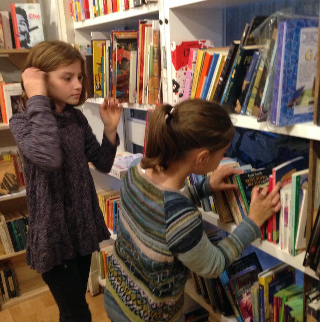 Libreria bar sarpi milano for Libreria online libri usati